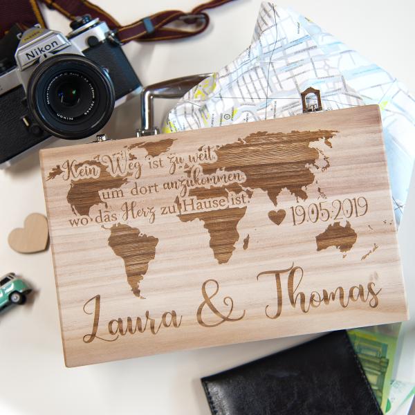 Holzkoffer | Reisekoffer aus Holz mit Wunschgravur