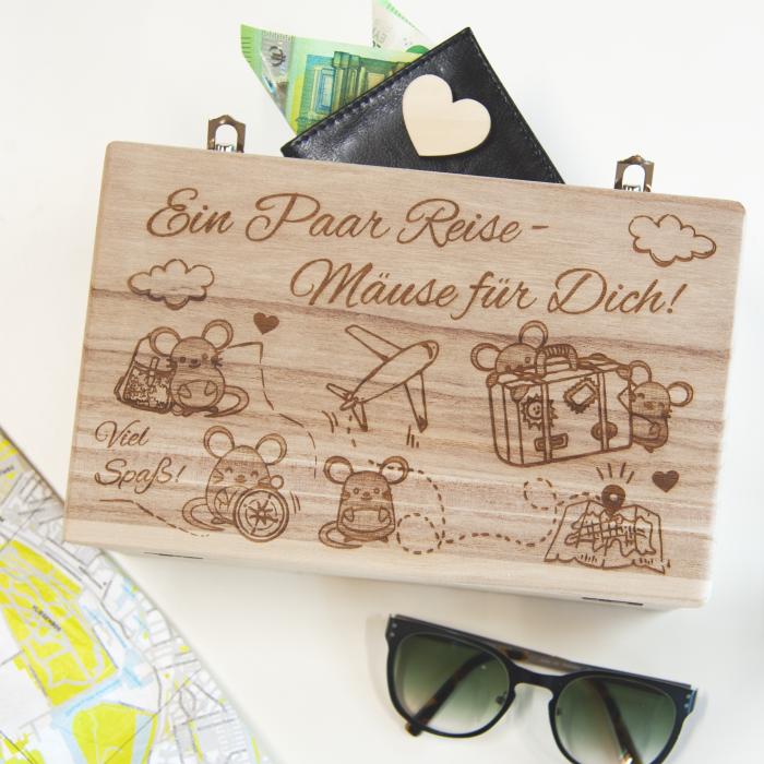 Holzkoffer | Reisekoffer aus Holz mit Wunschgravur | Reisemäuse | Mäuse | Reise